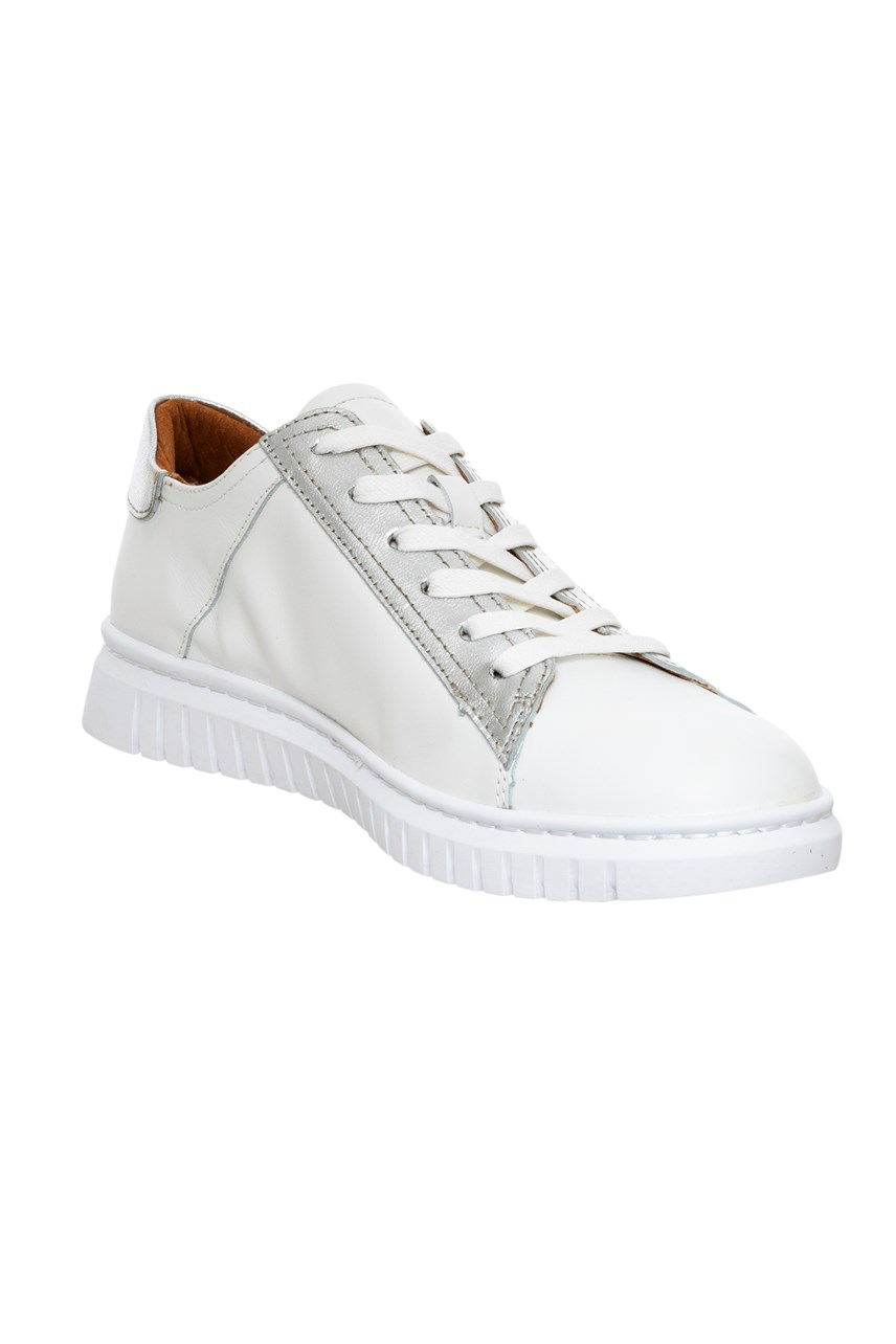 Claw Lace Up Star Sneaker