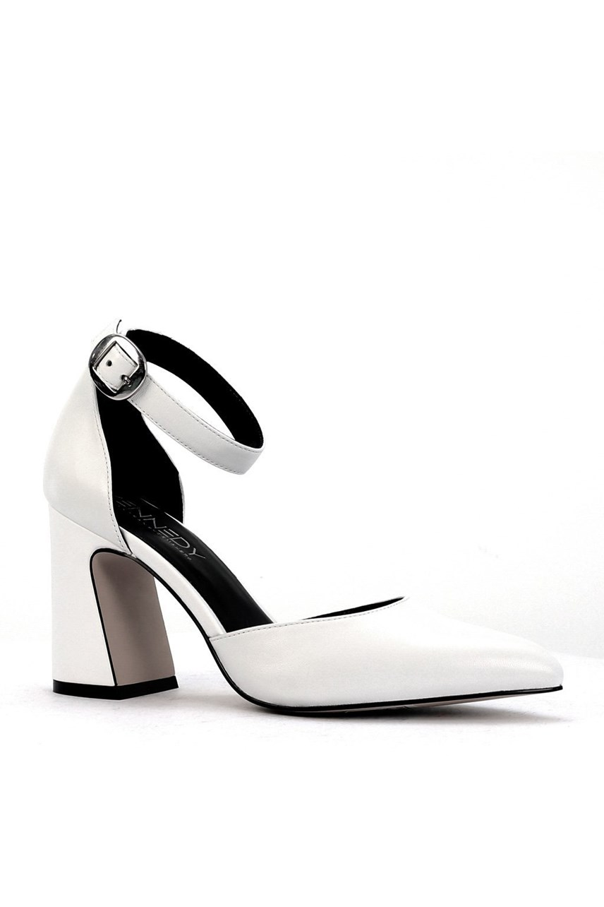 Shopper Leather Court Heel With Ankle Strap