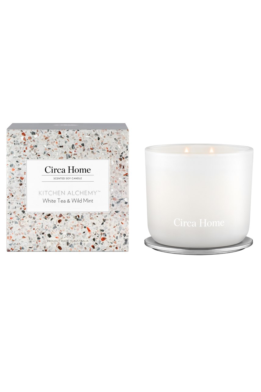 Kitchen Alchemy™ Classic Candle - White Tea & Wild Mint