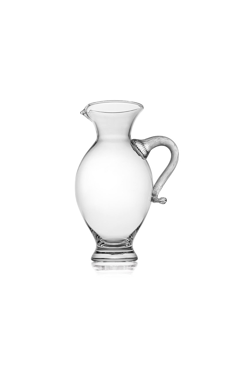Maitre Pitcher