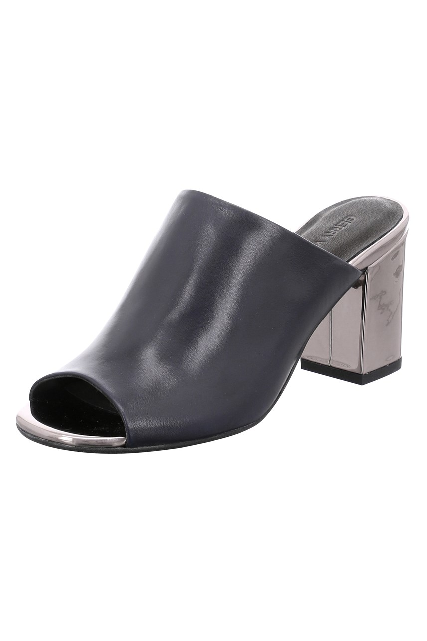 6b36e36a508 womens shoes - Smith and Caughey's