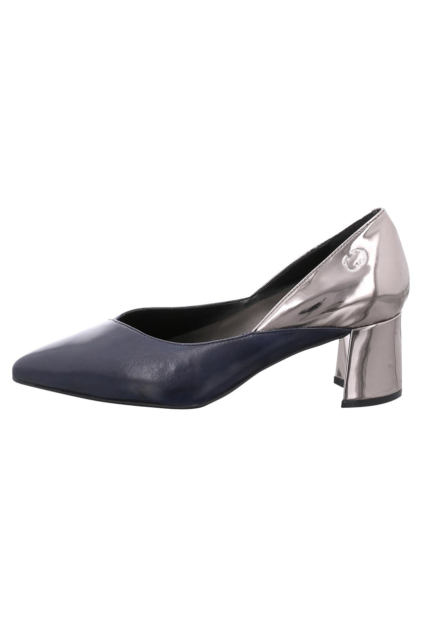 Sevilla Court Shoe