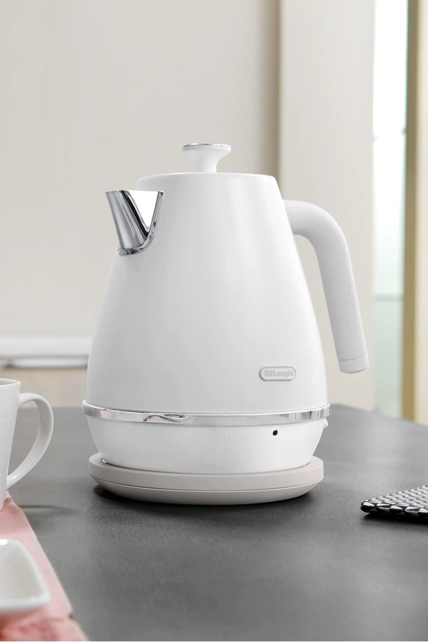 Distinta Moments 1.7L Kettle - KBIN2001