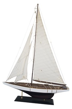 Model Sailing Yacht - Large 1