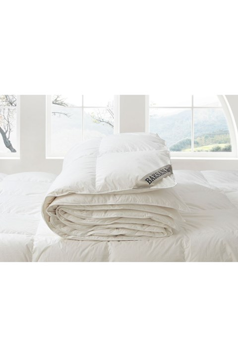 95/5 Hungarian Goose Down and Feather Duvet - white