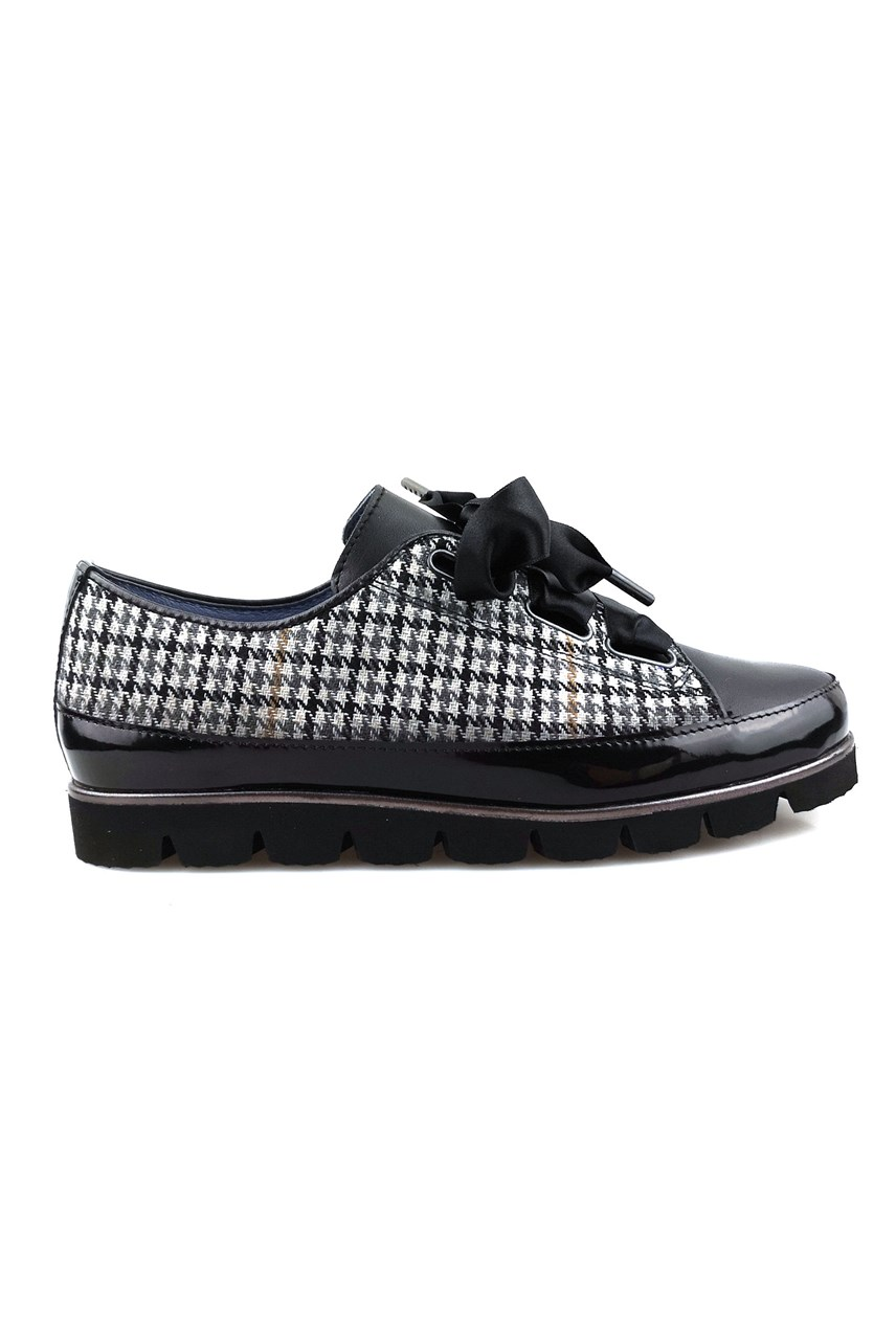 Ribbon Lace Up Houndstooth Shoe
