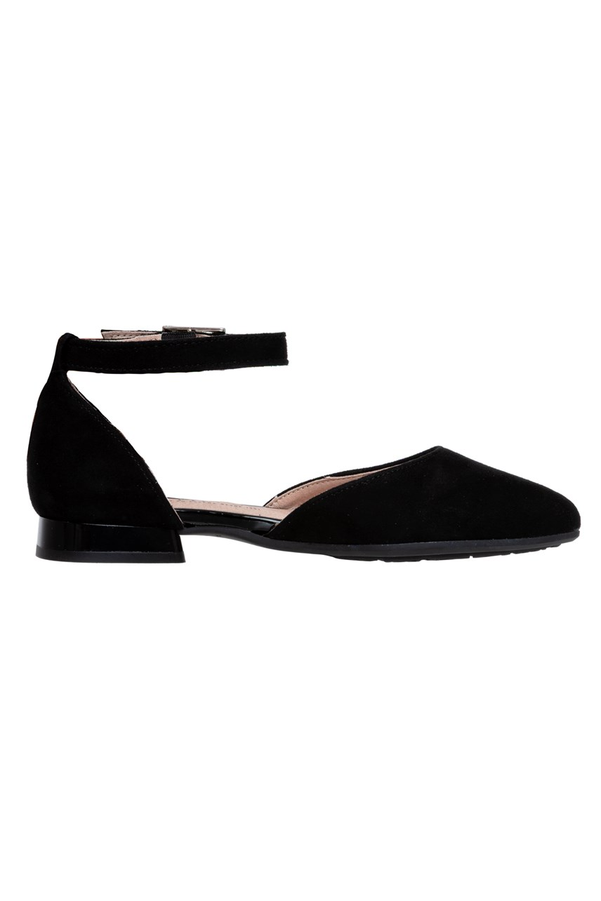 Flat With Ankle Strap