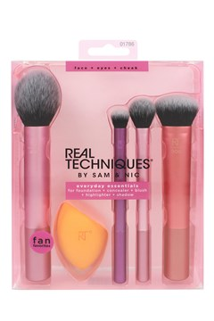 Everyday Essentials Set 4 Brushes 1 Sponge 1