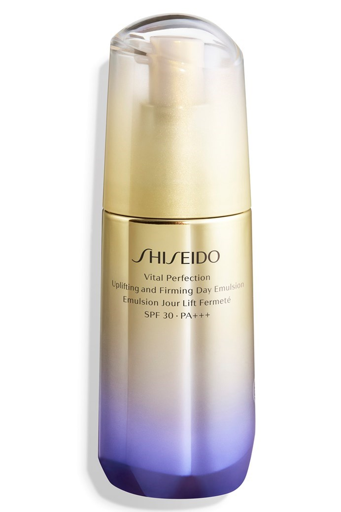 Vital Perfection Uplifting and Firming Day Emulsion SPF30 PA+++