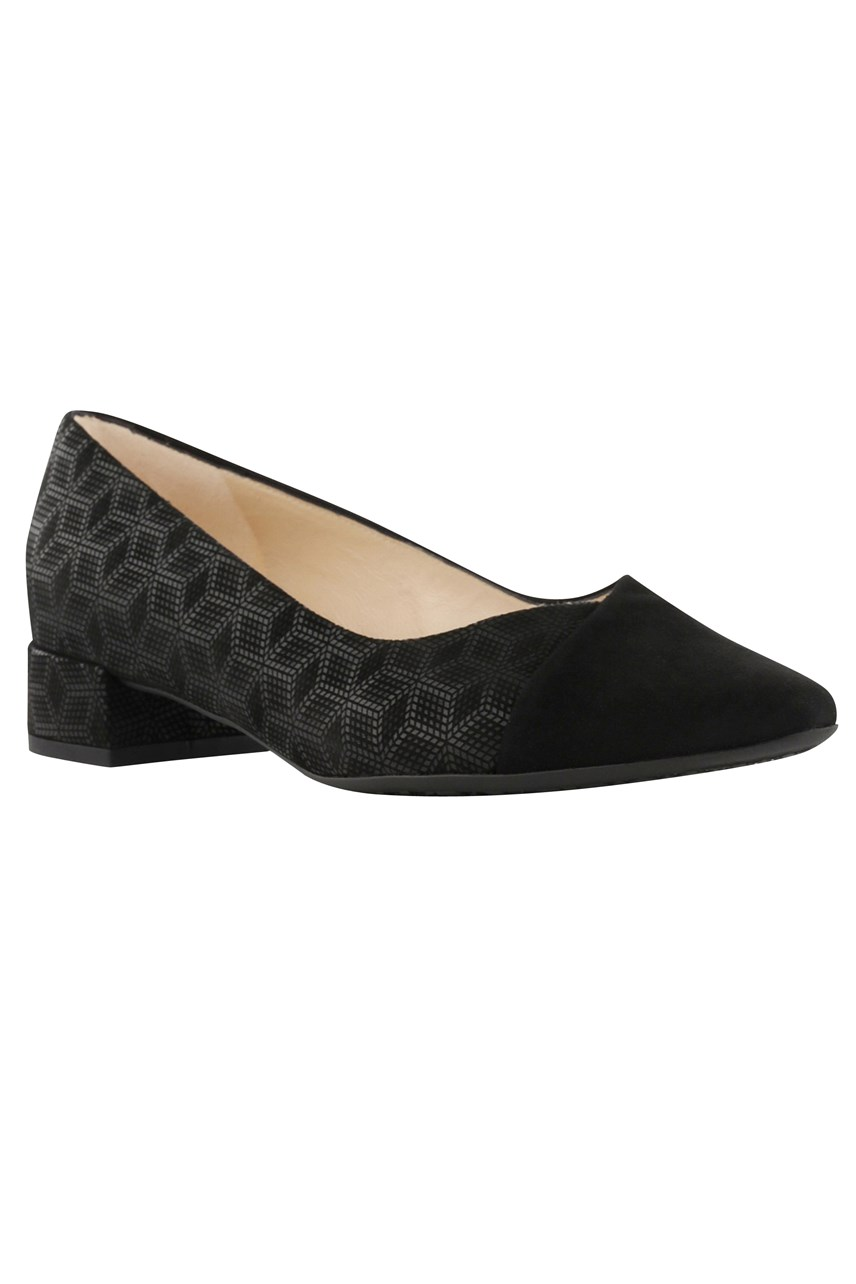 Pia Low Court Shoe