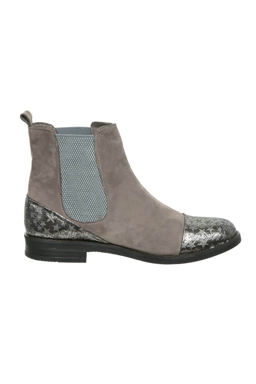 Ankle Boot with Gusset