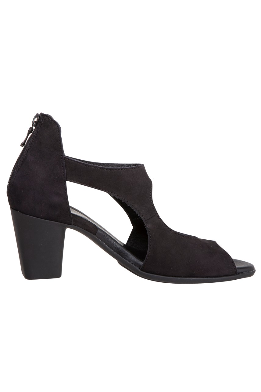 Farako Cut Out Heel