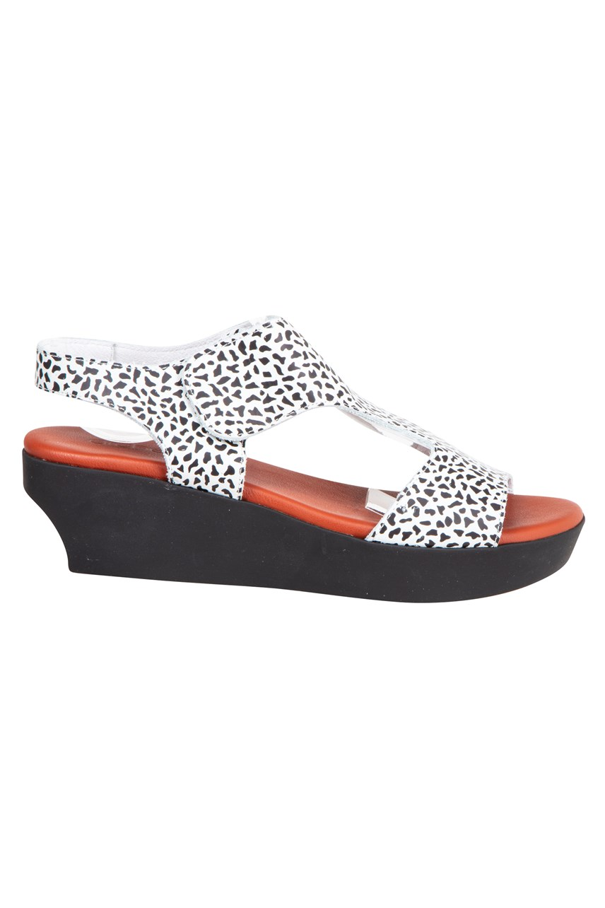 Soqui Wedge Sandal